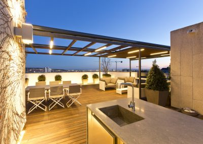 conillas-paisajismo-jardineria-diseno-espacio-exterior-terraza-con-pergola-tarima-de-madera-07
